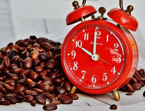 Seit COVID-19: Höchstarbeitszeit 15 Stunden/Tag und 105 Stunden/Woche für Pflegekräfte möglich
